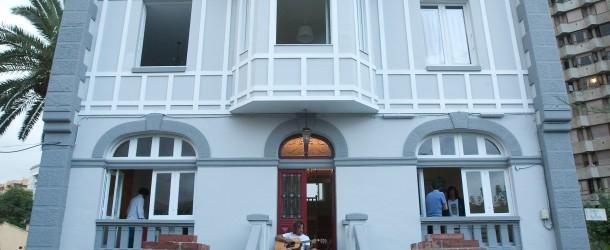 Ewan Surf House Salinas – Viajaysurfea Surf Resort Europa